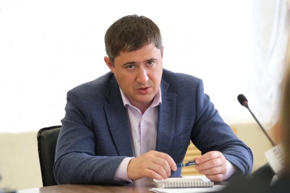 Дмитрий Махонин: Просроки по темам ЖКХ и здравоохранения недопустимы. Фото: permkrai.ru