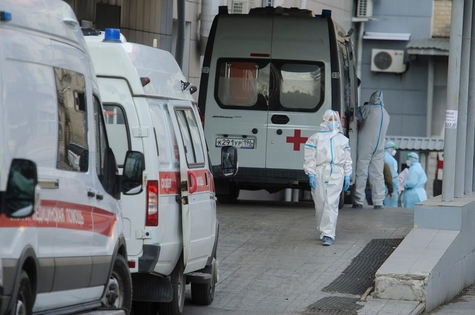 53 водителя скорой пожаловались на то, что им не выплатили положенную «коронавирусную» надбавку.