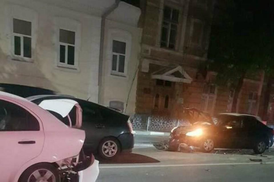 В Ростове столкнулись пять автомобилей. Фото: DonDay.ru