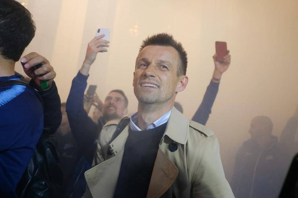 Сергей Семак поздравил жену с днем рождения зажигательным танцем.