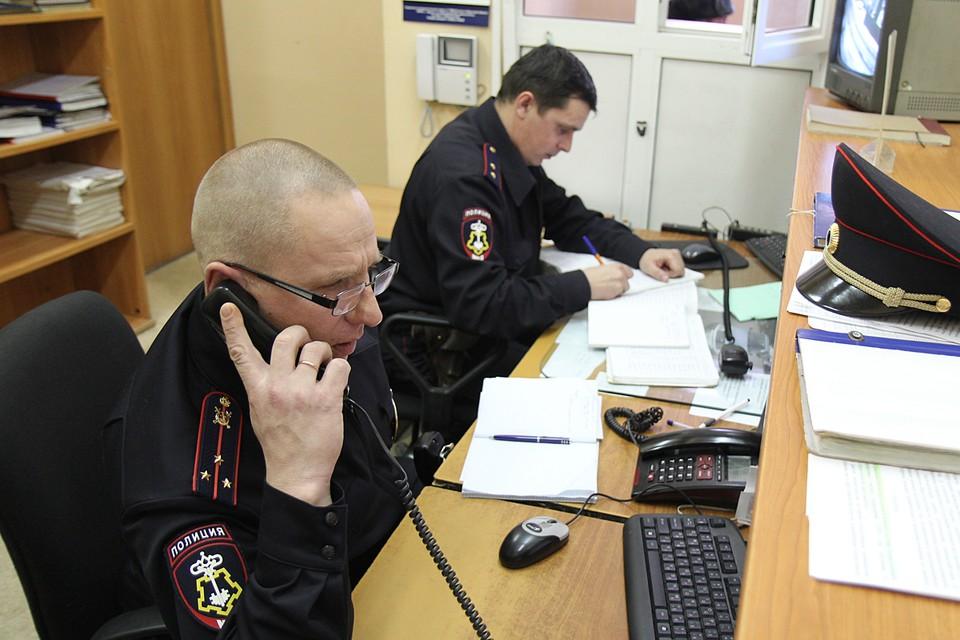 В настоящее время полиция проводит проверку и устанавливает все детали случившегося