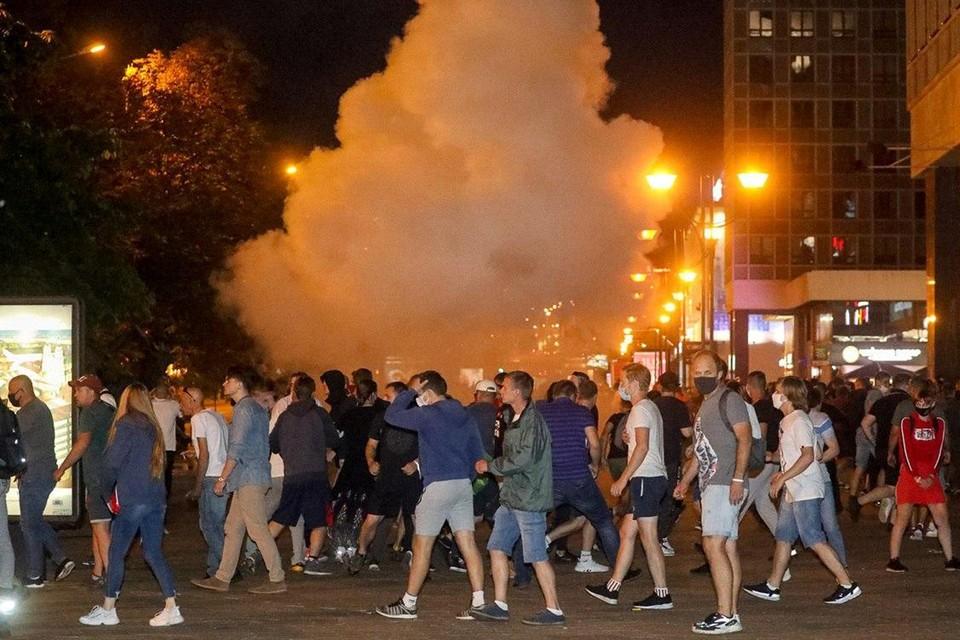 Демонстранты в столице Белоруссии переходят к столкновениям с милицией