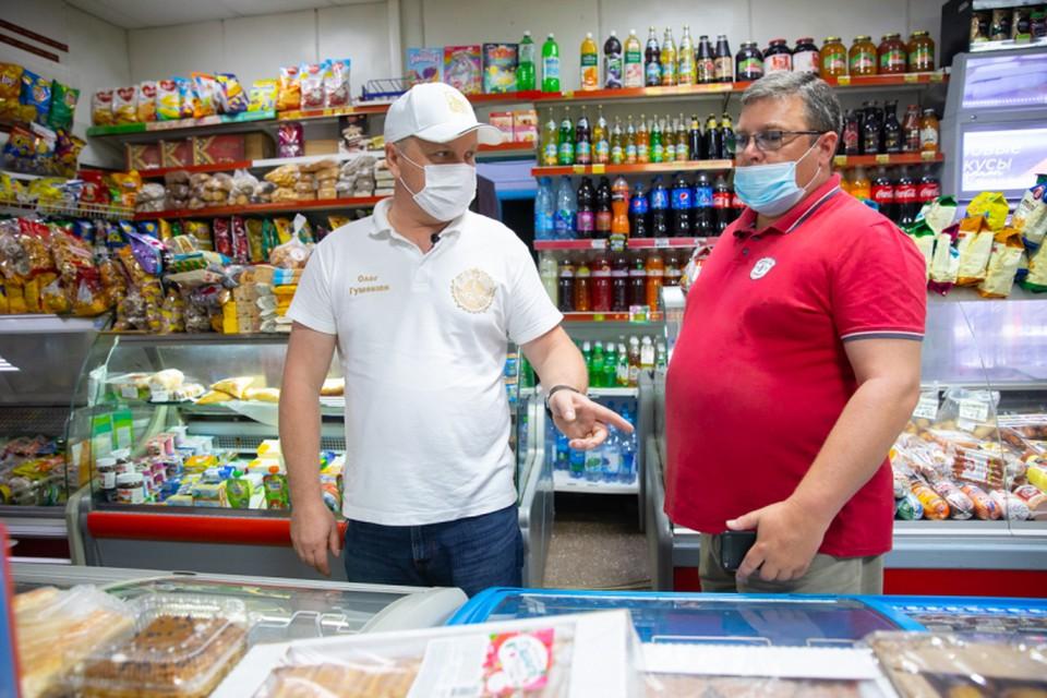 Проверки в торговых центрах выявили злостных нарушителей. Фото: Анастасия Котлярова