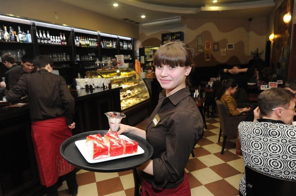 Рестораны смогут принимать посетителей не только в летниках.