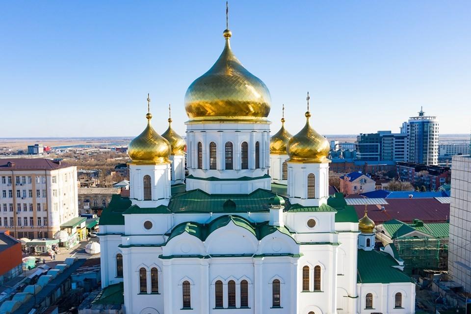 Вера - важная опора в жизни каждого. Фото: официальный сайт Ростовского кафедрального собора