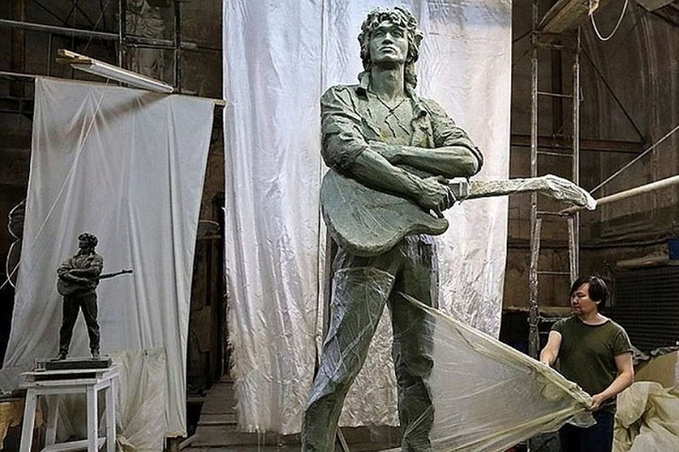 Памятник Виктору Цою начали ставить в Петербурге. Фото: Фонд памяти Виктора Цоя