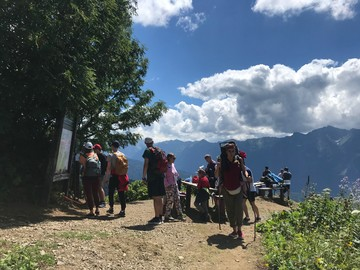 «Толпы туристов и тучи кровососок»: походы в горы Сочи перестали быть спокойным отдыхом наедине с природой