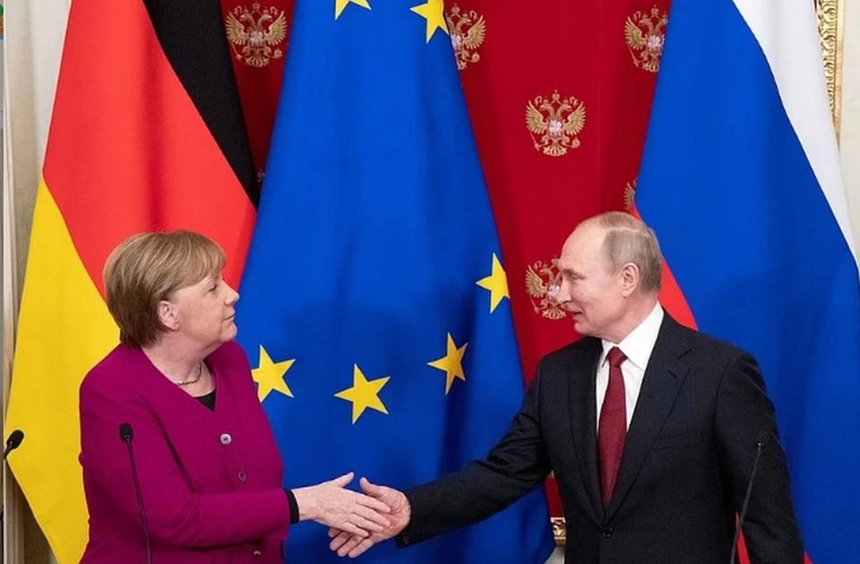 Меркель сообщила о планах обсудить с Путиным ситуацию в Белоруссии
