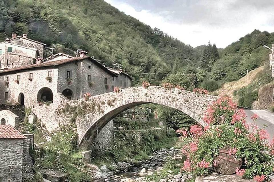 Факт, что человек является собственником дома в Италии, еще не дает ему права на получение «пермессо ди сожорно» - вида на жительство. Фото: © Case a 1 euro