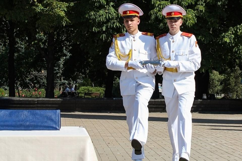 В Донецке вскрыли капсулу времени. Фото: gorod-donetsk.com