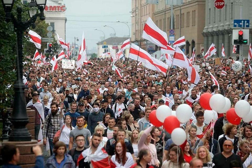 Николай Калмыков: Польша стимулирует протесты в Белоруссии, так как белорусские мигранты ей выгоднее, чем сирийские беженцы