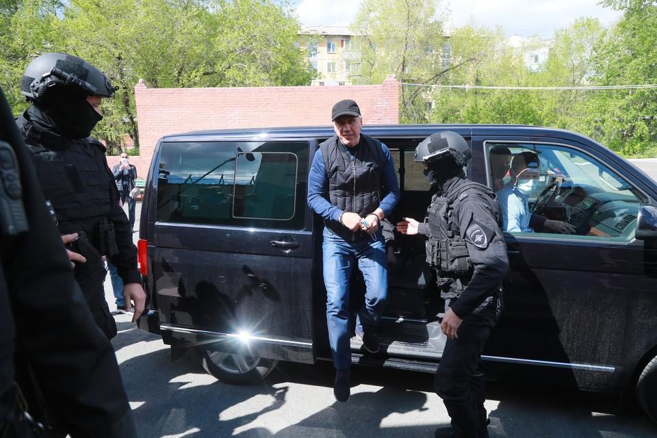 В чем обвиняют Анатолия Быкова?