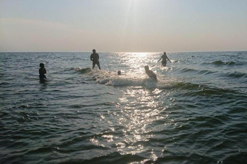 В Балтийске может быть очень чистая вода, а может - с обилием водорослей.