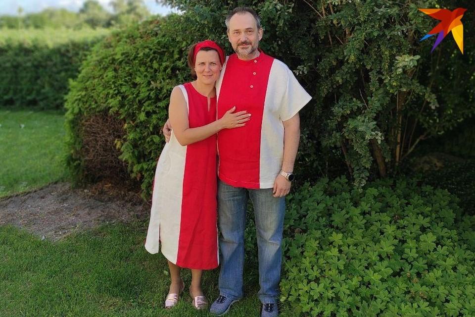 Наталья Климович и Владислав Абрамович пошили себе наряды во время предвыборной кампании. Фото: личный архив.