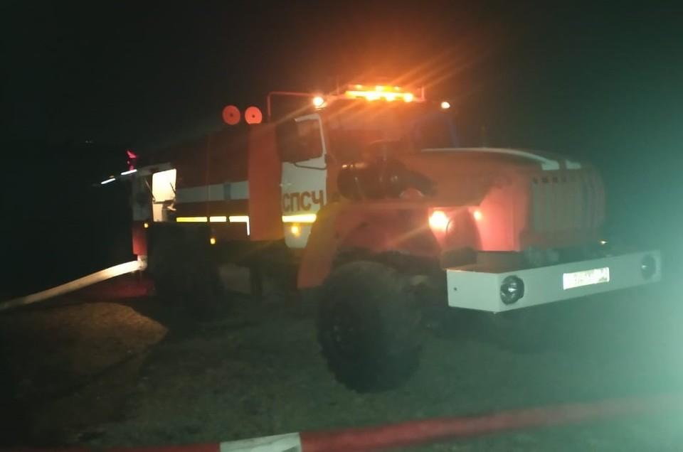 Пожар ликвидировали 31 августа во втором часу ночи. Фото: ГУ МЧС по НСО