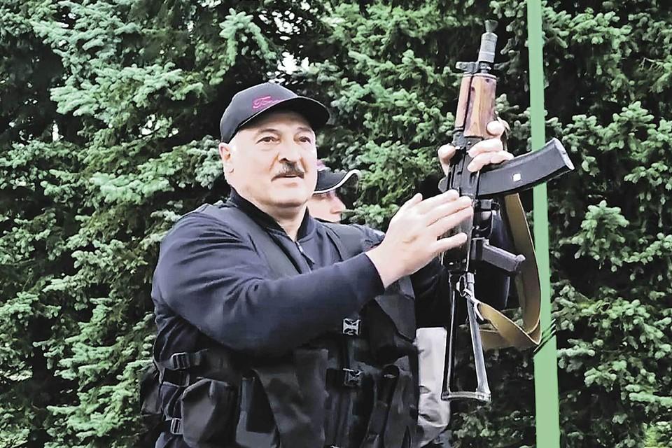 Александр Лукашенко явно не намерен сдаваться. Фото: AP