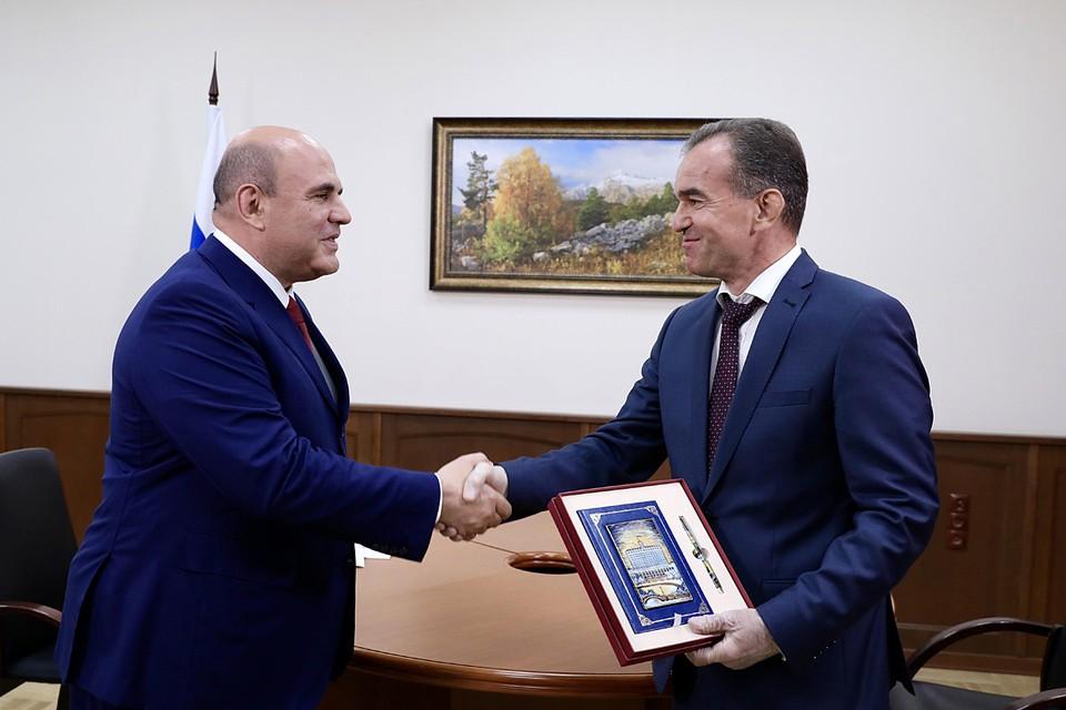 Визит совпал с 50-летием нынешнего главы края, премьер-министр поздравил Вениамина Кондратьева с юбилеем