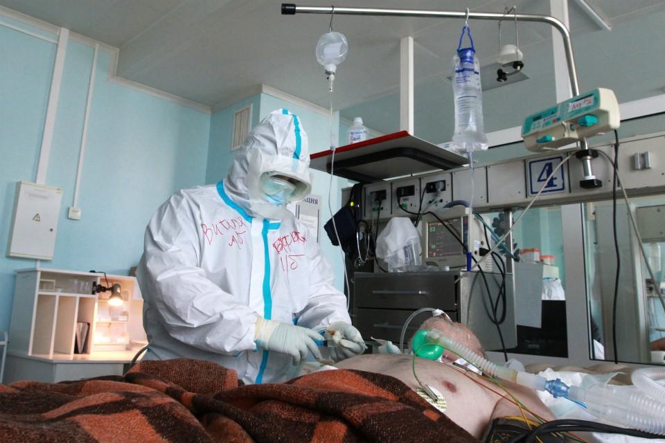Коронавирус продолжает одолевать жителей Мурманской области.