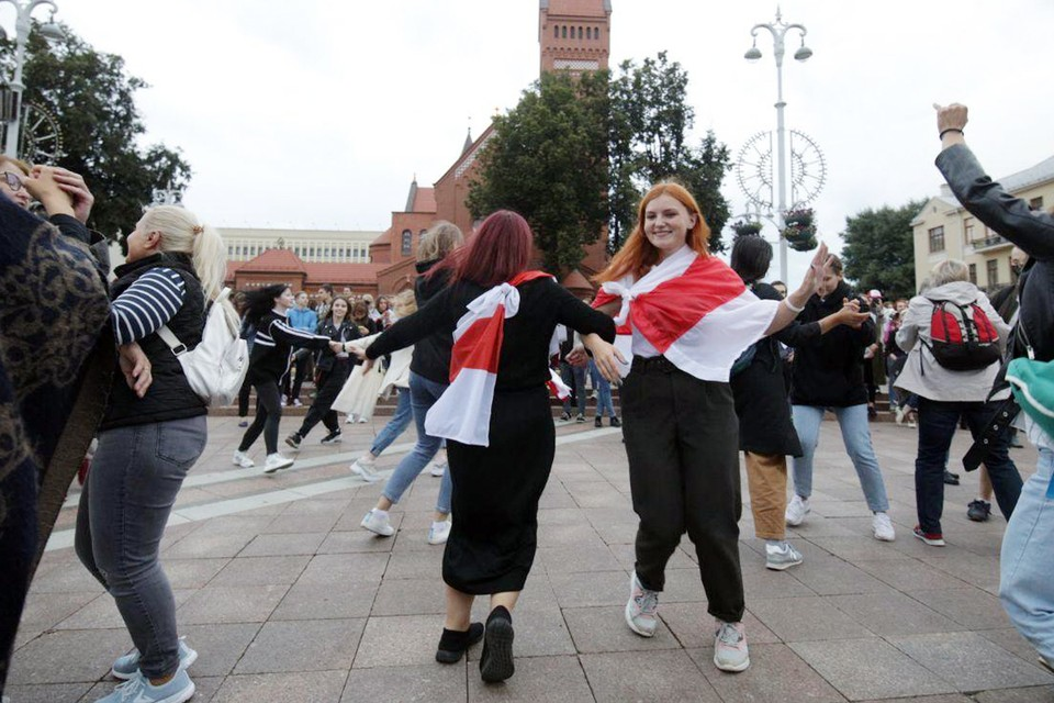 Белоруссии остался шаг - от карнавала до гражданской войны