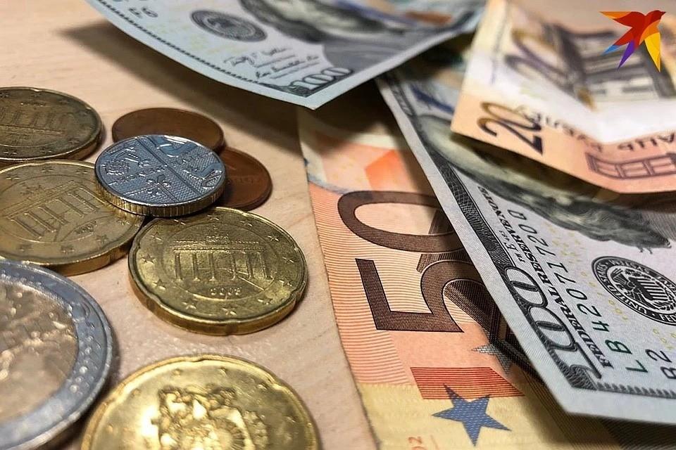 В последние недели банки замораживают программы потребительского кредитования