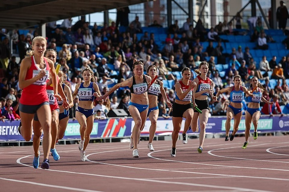 На турнир в Челябинск приехали почти 900 легкоатлетов.