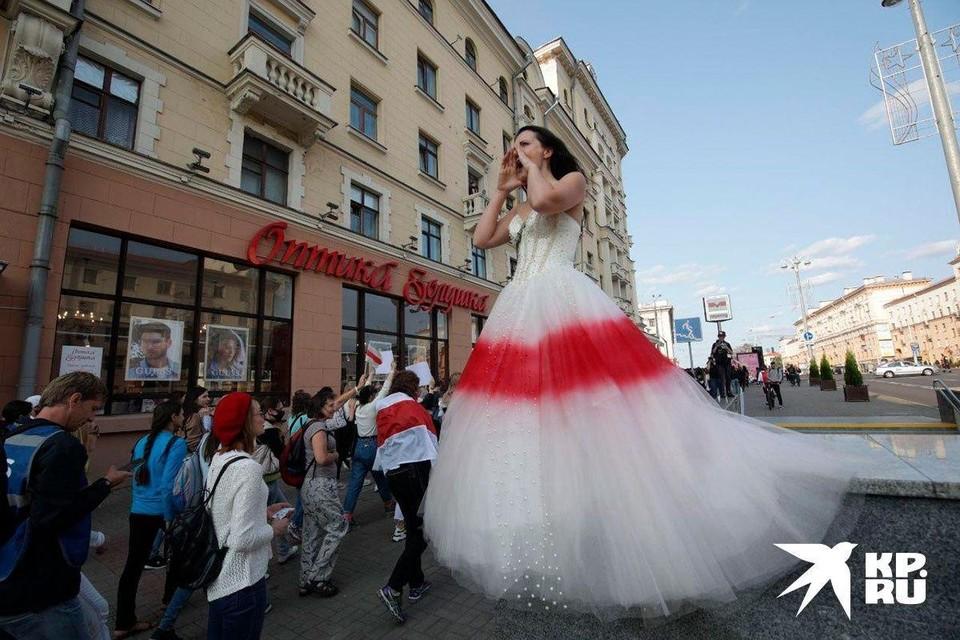 На «женском марше» в Минске задержали более 30 протестующих