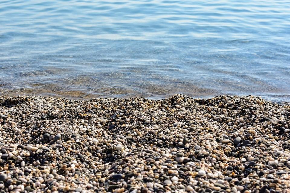 Самую низкую температуру морской воды фиксируют местами в Севастополе – 22 градуса.
