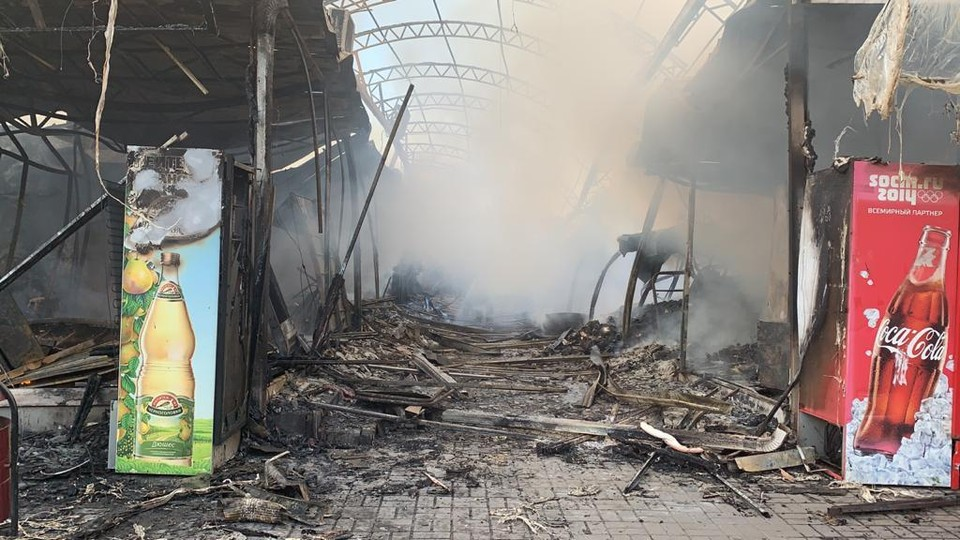 Последствия пожара в Шахтах. Фото: МЧС