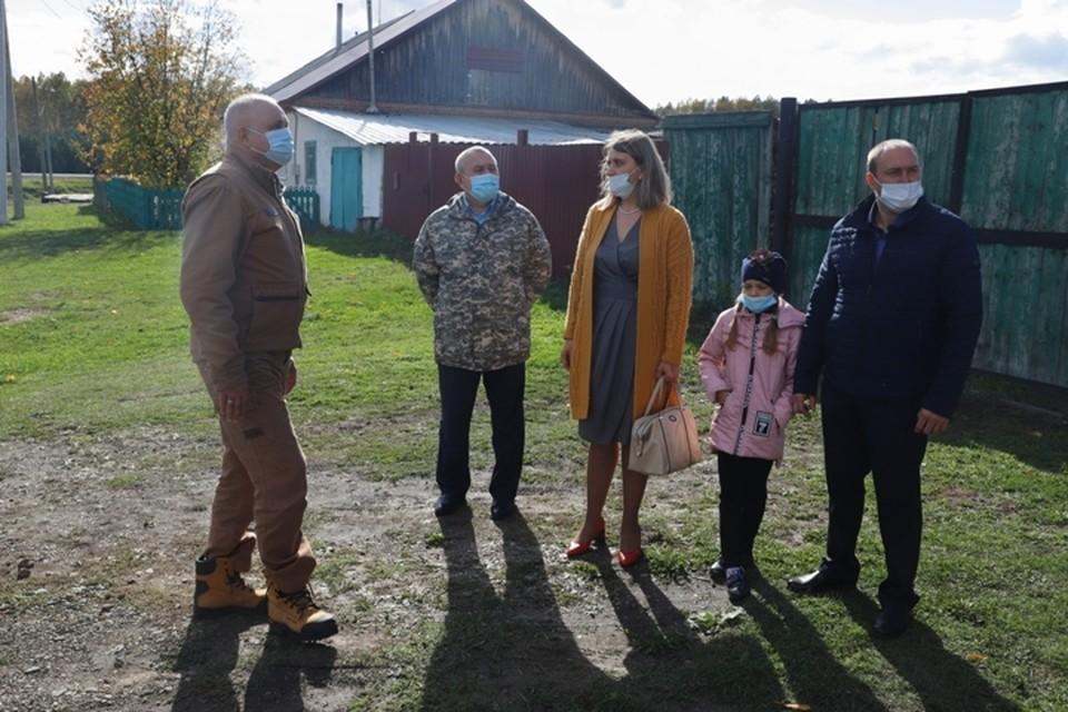 Пострадавшим от пожара в селе Плотниково выплатили 10 миллионов рублей. ФОТО: пресс-служба АПК