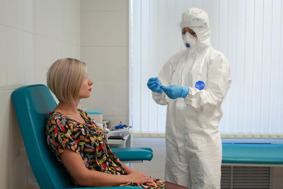 За минувшие сутки выявили также почти аналогичное количество заболевших коронавирусом - 66 новых зараженных.