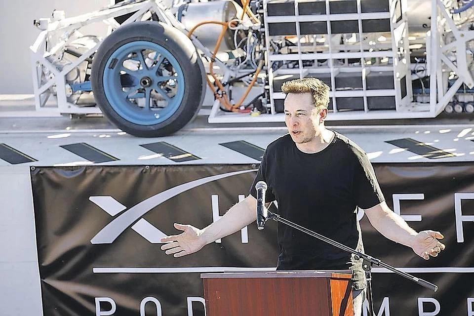 Маск надеется выпускать беспилотную Tesla за 25 тысяч долларов