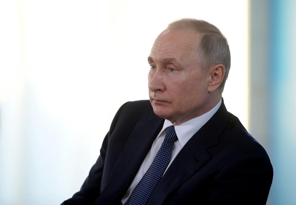 Пенсии в России проиндексируют на 6,3% в 2021 году, сообщил Путин