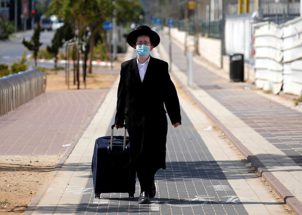 Власти Израиля ввели двухнедельный карантин.