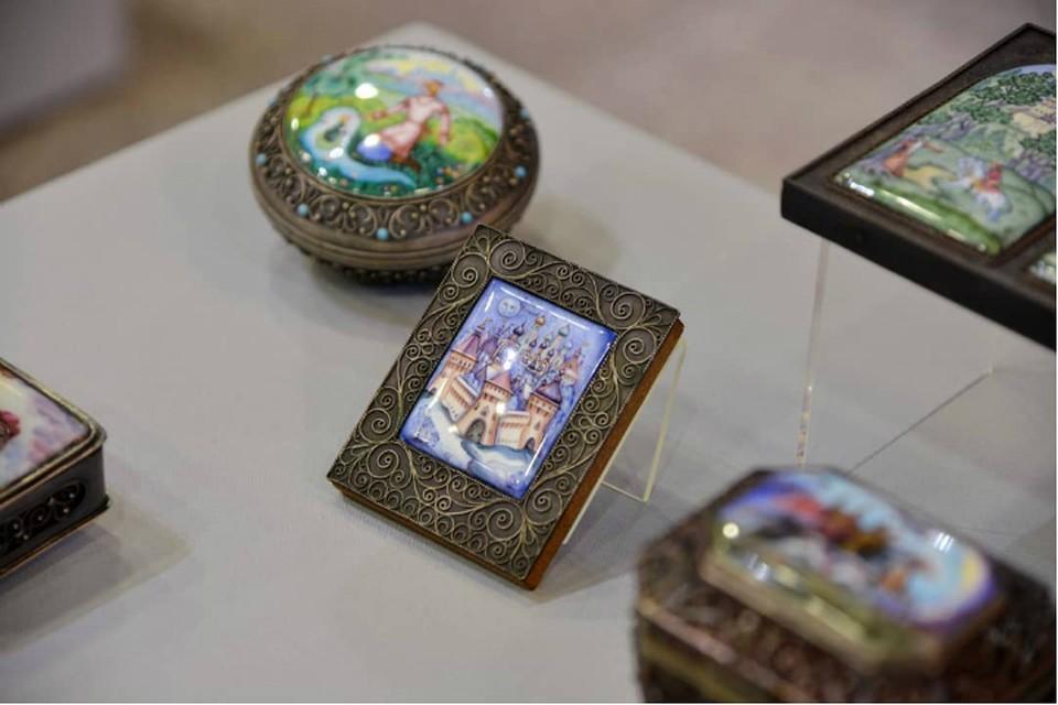 Финифть из «Ростовского кремля» представят в Хабаровском музее