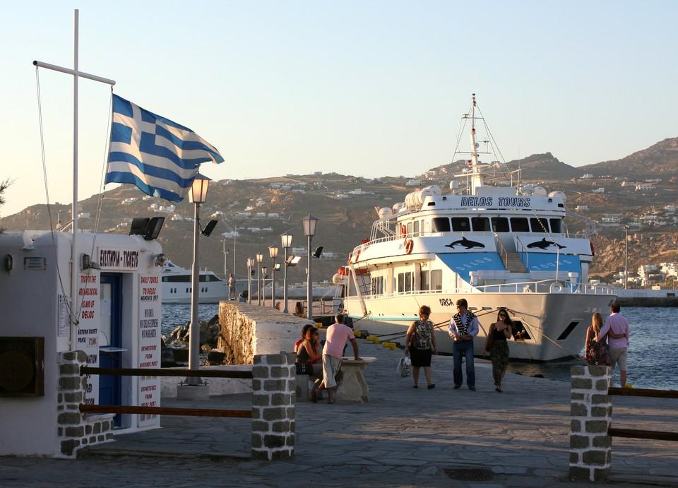 Греция решила восстановить авиасообщение с Россией