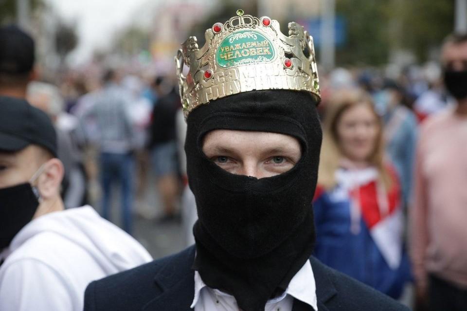 """Оппозиционеры устроили """"инаугурацию"""" Тихановской"""