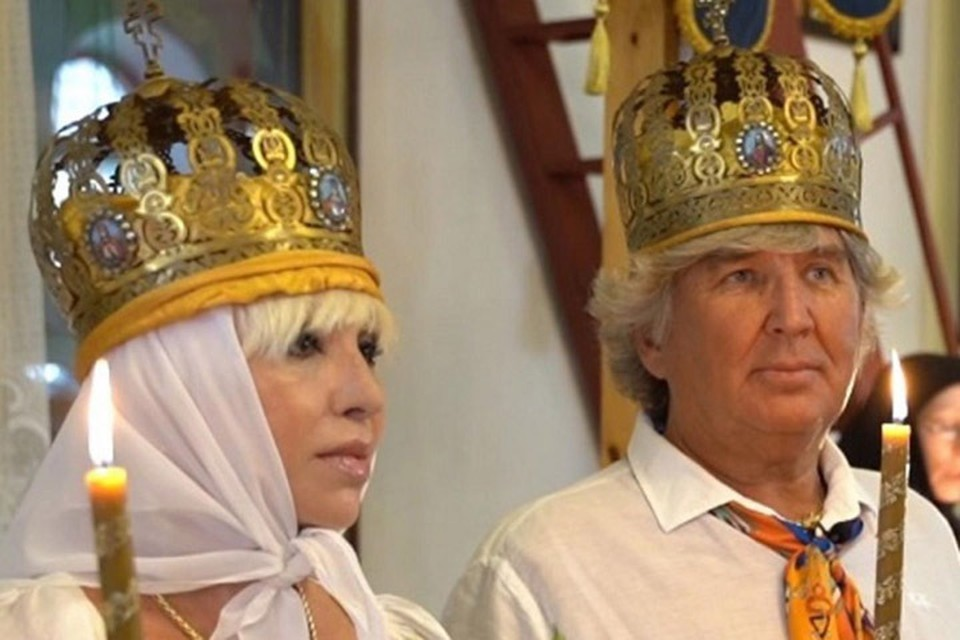 Дети Легкоступовой считают, что ее муж Юрий Фирсов поднимал на певицу руку.