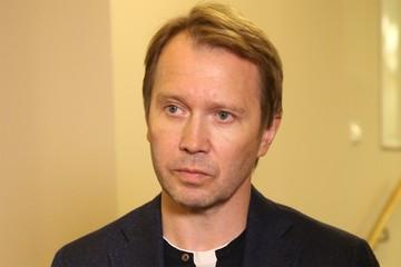 Евгений Миронов перестал прятать тайного сына