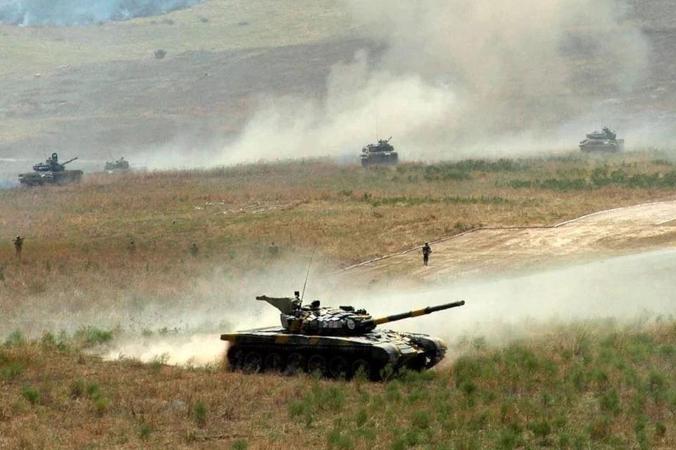 Азербайджан опроверг сообщения о сбитом самолете в Карабахе