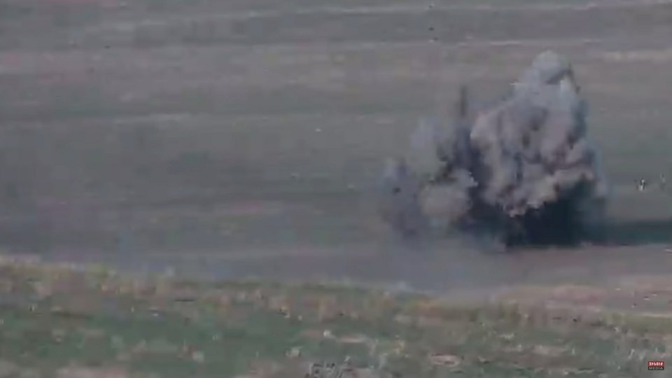 Ни одна азербайджанская бомба не упала на территории Армении, заявил Полад Бюльбюль