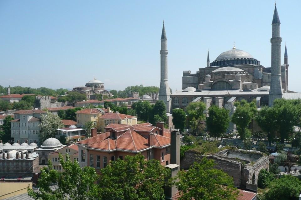 В Стамбуле тепло, но после поездки придется посидеть на карантине