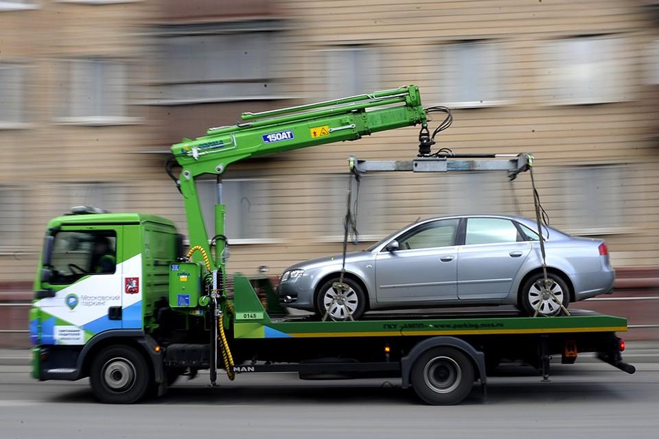 """Операция """"Эвакуация"""": Все о том, где искать машину, если вы нарушили правила парковки в Кишиневе - адрес, цены, дни, по которым авто можно вернуть"""