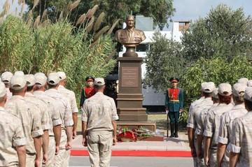 На российской базе в Сирии открыли памятник Герою России полковнику Ряфагатю Хабибуллину