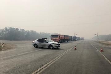 Из-за пожаров перекрыли идущую в Волгоградскую область трассу вдоль Дона