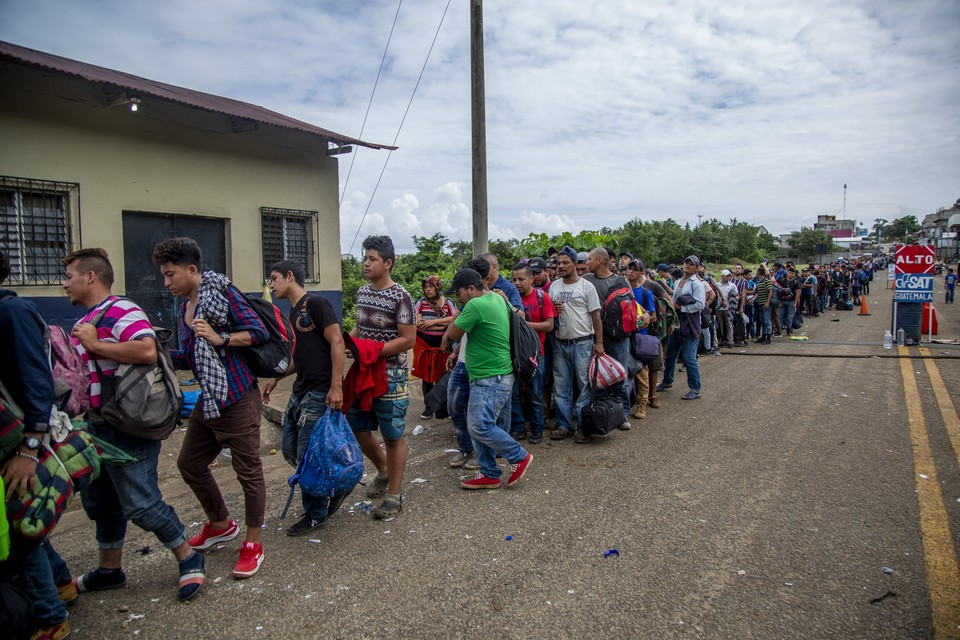 Жители Гондураса начали двигать свои знаменитые караваны в сторону США.