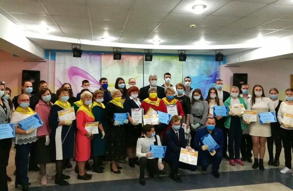 滨海边疆区的志愿者在流行期间帮助人们获得奖项