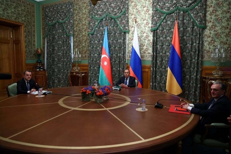 Трехсторонние консультации по перемирию в Нагорном Карабахе