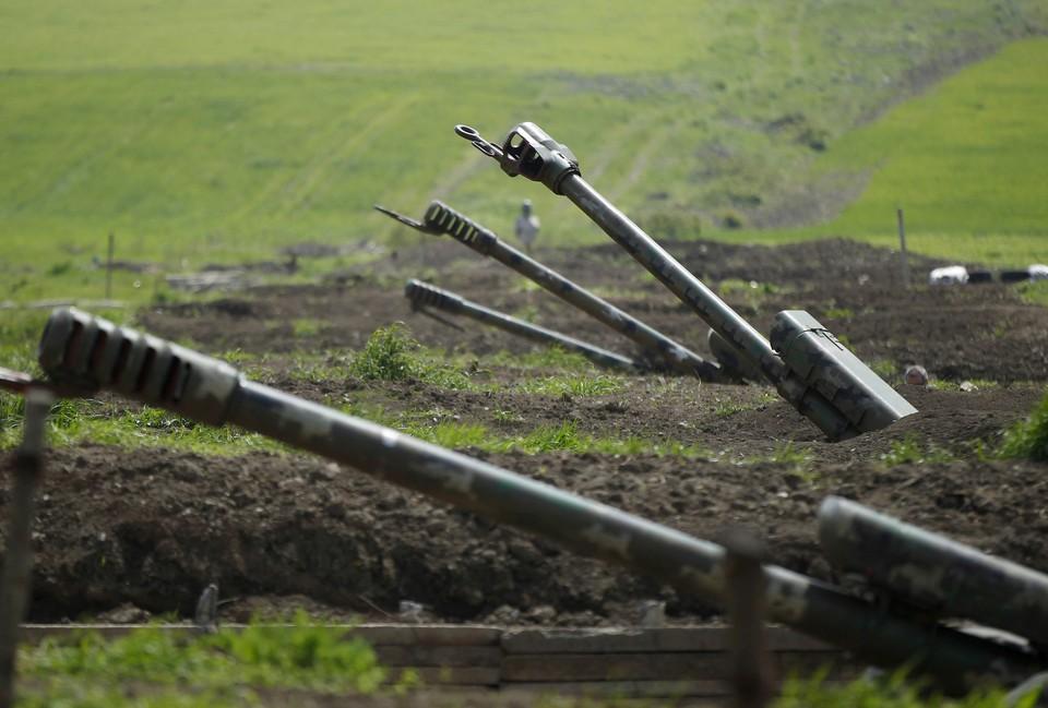 Президент Нагорного Карабаха заявил, что на фронте продолжается обмен огнём