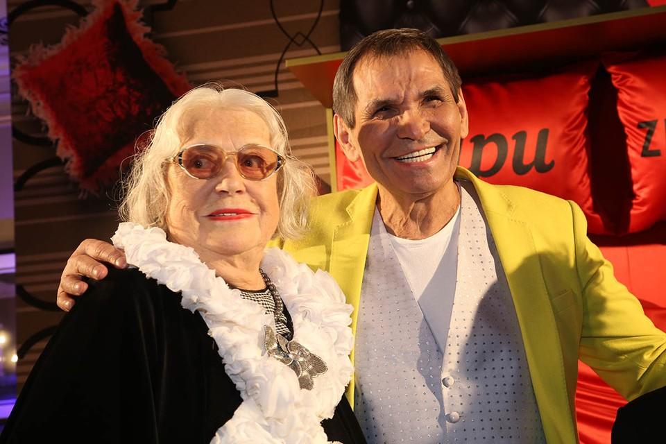Лидия Федосеева-Шукшина счастлива. 82-летняя актриса снова с приданым. Суд вернул ей квартиру раздора, которую вдова знаменитого писателя завещала своему нынешнему супругу Бари Алибасову.