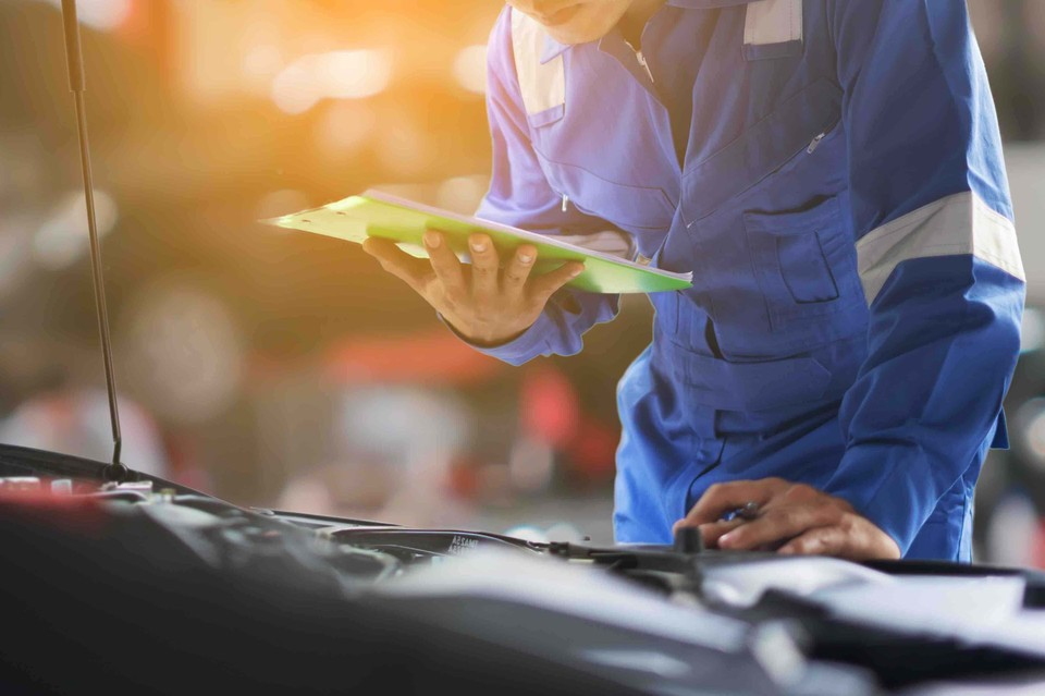 Как сэкономить на топливе с помощью автомобильного масла. Фото: shutterstock.com